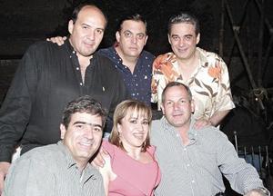 Edgar Acosta, Santiago Garza, Ernesto González Madero, Ricardo González Madero, Martha Dávila y Adolfo Grageda