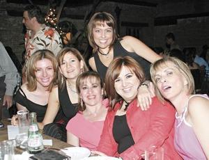 Lorena Rodríguez, Lourdes Alvarado, Kuky Gutiérrez, Martha Dávila, Laura Ramírez y Marcela Humphrey