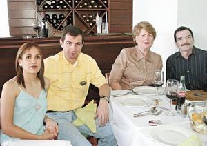 Nelis Meléndez de López, Jorge López Willy, Margarita Willy de López y Luis López Figueroa
