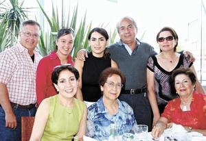 Enrique Martínez Cassani, Sandra Martínez Soltero, Ale Soltero Menéndez, Manuel Sadott Soltero, Cocol de Soltero, Nelly de Meléndez, Tere de Soltero y Norma S. de Martínez