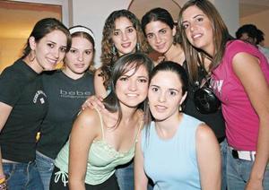 Karla Martínez, Regina Ortiz, Karen Platas, Alejandra Batarse, Luly Gallegos, Ana Rosa Pérez y Margarita Martínez