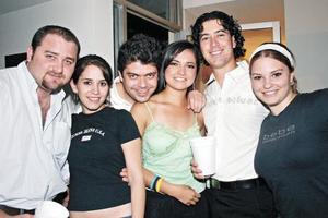 Aris Papadópulos, Karla Martínez, Alejandro Mexsen, Ana Rosa Pérez, Ricardo Aguilar y Regina Ortiz