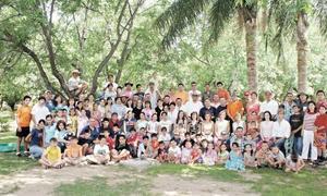 SEMBRADORES FESTEJAN A NIÑOS Grupo asistente a la celebración de día del niño de sembradores