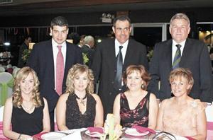 Rene Cantu, Ana Gilio, Gerardo Bustos, Magaly Gilio, Joaquín Hamdan, Mónica Hamdan y Vicky Tolentino