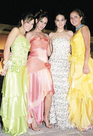 <I>GRAN BAILE DE CORONACIÓN</I><P>Paola Lozaya, Sofía Escalante, Daniela Díaz de León y Paulina Franco