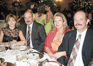 Claudia Estrada de Gómez, José Luis Gómez, Patricia Vargas de Villarreal y Roberto Villarreal Maíz
