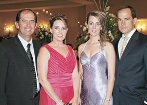 Carlos Villarreal, Pilar Tricio de Villarreal, Ana Carmen Tricio de Sesma y Ernesto Sesma