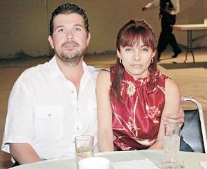 Eddy y Lucy Gama