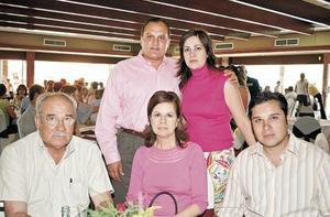 Adán Herrera, Velia Pereda de Herrera, Adán Herrera Pereda, Rocío Herrera de Alba y Julián Alba González
