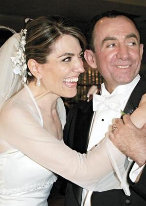 <I>UNIDOS PARA TODA LA VIDA</I><P>La feliz pareja María del Pilar Aguirre y Luis Salazar