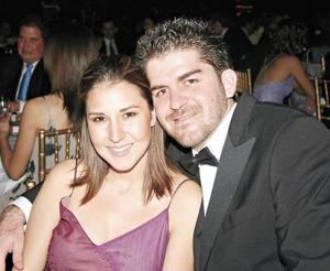 Ana Isabel Godina de Mexsen y Omar Mexsen