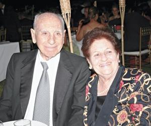 Teofilo Murra Talamás y Yemile G. de Murra