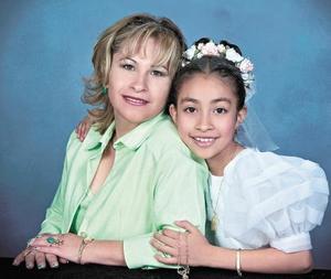 Rosa Isabel García de Canales y su hija Miranda