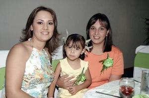 <b>28 de mayo </b><p> Delia Sifuentes Monárrez, Ana Isabel Borbolla de Sifuentes} y Melina Sifuentes Borbolla.