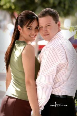 Katia Valenzuela y Gilberto Oviedo Pastrana.