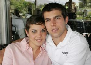 <b>28 de mayo </b><p> Sofía Acosta y Roberto Murra.