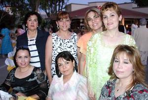 María Concepción, Cecilia Gómez, Carmen Padilla, Tere Padilla, Rocío Moreno, Mónica González y Norma Esparza.