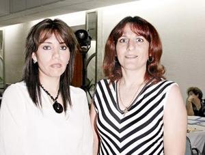 Liliana Ávalos y Emilia Murra.