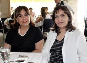 Rocío de Monroy y Nancy de Zablah.