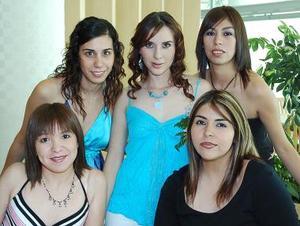 Melina Reyes Velázquez con sus amigas Elena Siller, Goretti Carreón, Ángeles Siller y Ana Elena Becerra.