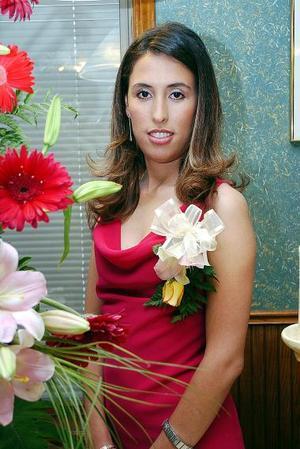 Vania L. Azuara Rojas el día de su despedida de soltera