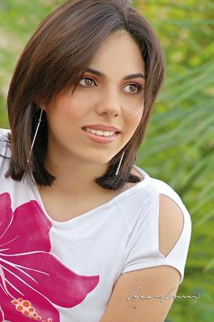 Alejandra Flores Arizpe, en una fotografía de estudio de Lucero Kanno..