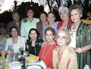 Josefina Fernández, Herminia Rojas, Nena de la Rosa, Silvia Romo, Esperanza Aguilera, Olivia  de la Mora, María Cristina Valdez, Julia González, Irene García y Olga García.