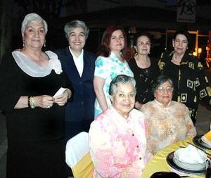 Teresita de Mireles, Cuca de Hernández, Chela González de Lara, Carmen Valdivia, Abigail Muñoz, Esperanza Aguilera, Abigail Ortiz y hermana Evangelina López.