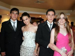 Andrés Fernández, Daniela Díaz, Eduardo Reyes e Isabel Negrete.