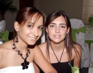 <b>30 de mayo </b><p> Cristy Cortinas y Becky García.