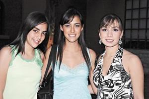 <b>29 de mayo </b><p> Mónica Segura, Beatriz Segura y Laura García.