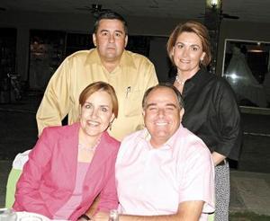 Eugenia Reyes de Diez, Eduardo Diez, Benjamín Navarro y Blanca Jáuregui.