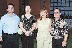 José Luis Martínez, Alejandra de Martínez, Armando y Mague Gómez