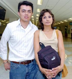 Héctor Ruiz y Alicia Herrera viajaron a Cancún.