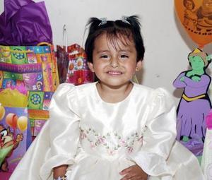 Cecilia Alegría García cumplió tres años de vida, y los celebró con una bonita fiesta infantil
