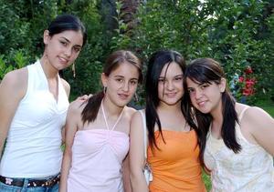 <b>01 de junio</b><p> Mary Carmen Bujdud, Mariana Martínez, Mary José Arias y Bárbara Madero.