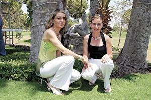 Mónica y Valeria Arteaga .