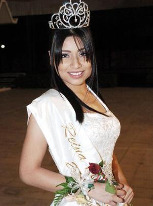 Tania Florencia dfe la Cruz Fraire, reina entrante 2005-2006 del Club San Isidro.