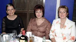 <b>02 junio </b><p> Perla Batarse, Ana Rosa Tricio de Gómez y Lourdes Silva de Batarse