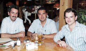 Luis Cuerda, Augusto Ávalos y Javier Villarreal.