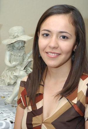 Marcela Sánchez Pámanes recibió múltiples felicitaciones, en la despedida de soltera que le organizaron.