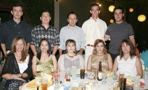 Güera y Fito González, Ale y Ricardo Aburto, Karla y Juan Manuel Muñoz, Cristina y Luis Alberto González y Estela y Carlos Barroso.