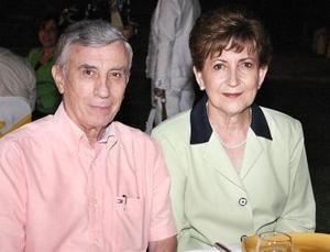 <b>04 de junio</b><p>  Saúl y Bety Gómez.