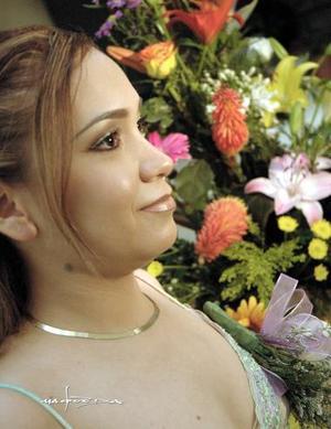 Blanca Villela de Santiago disfrutó de una reunión de despedida, que le organizaron sus familiares por su cercano matrimonio con Agustín Mendoza del Río.