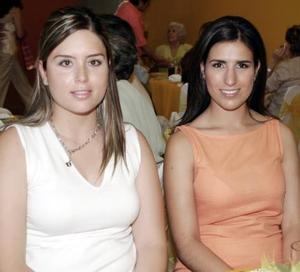Maribel Barajas Trigo y Mercedes Gutiérrez de González.