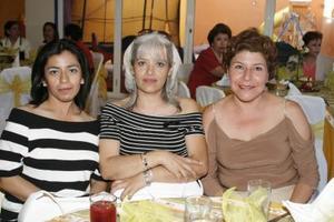 María Rivera, Lupita González y Paula Moreno.