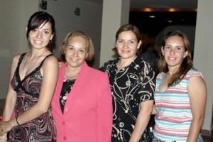 Nina Flores, Lilia Garza, Nina de Flores y Alina Garza, en reciente convivio.