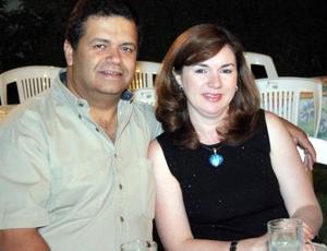Luis Urteaga Trani y Gaby de Urteaga, en reciente evento social.
