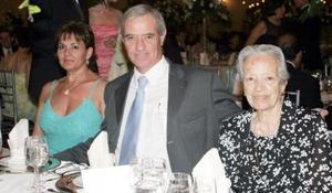 Marianto de Haro, Jesús G. Haro y Carmela  de Haro, en reciente convivio.