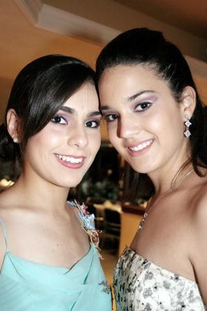 <b>06 de junio </b><p> Mariana Díaz y Daniela Díaz de León, en reciente evento social..